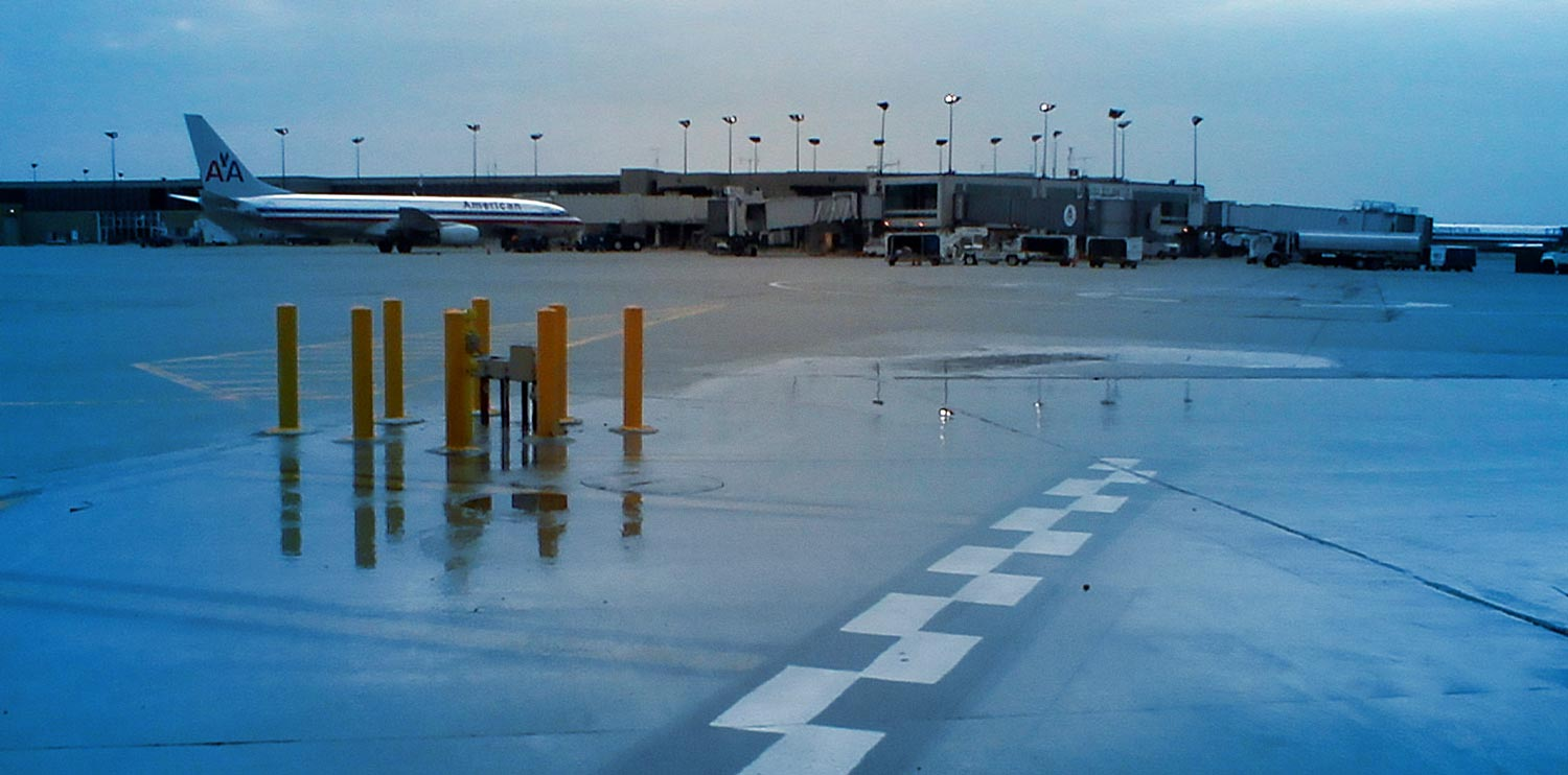 de-icing pad at detroit metro airport