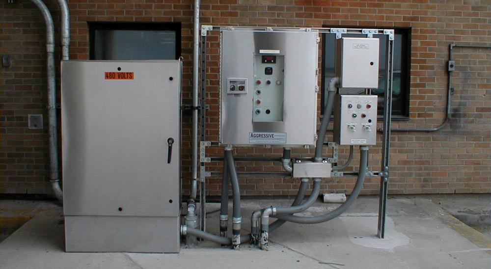 control system for de-icer at airport